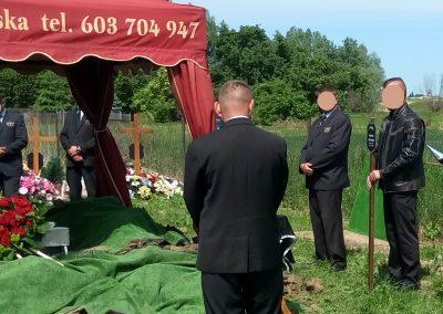 Urszula Różańska_prowadzenie pogrzebu